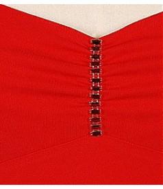 Rochie decoltata cu aplicatie strasuri cristal