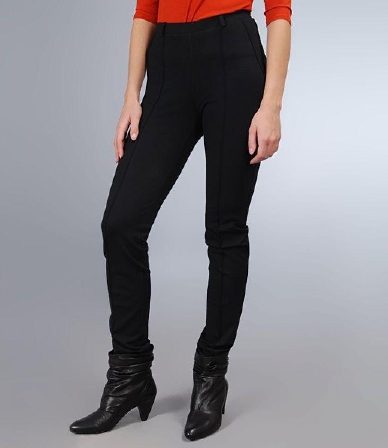 Pantaloni din jerse gros negru cu nervuri