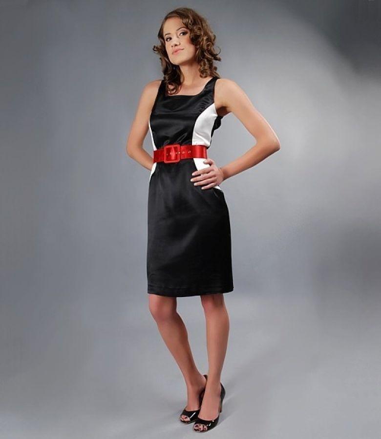 Rochie din saten negru cu clini si curea contrast