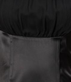 Rochie din saten elastic negru si voal cu cristale