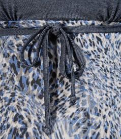 Rochie imprimeu leopard decupata pe decolteu