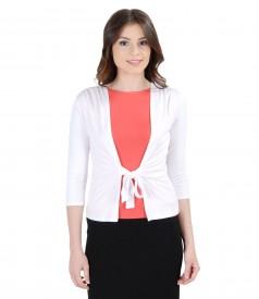 Bluza din jerse alb legata cu cordon