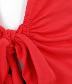 Bluza din jerse rosu legata cu cordon