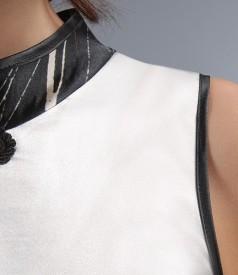 Rochie lunga din saten elastic imprimat cu brandemburg