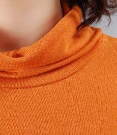 Tricou din jerse elastic portocaliu cu guler