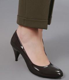Pantaloni cu mansete din stofa elastica kaki