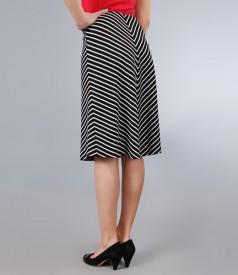 Fusta din jerse elastic alb-negru