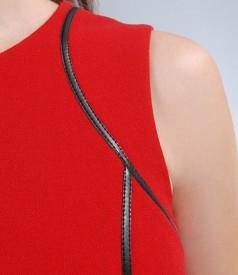 Rochie din stofa elastica rosie cu garnitura contrast