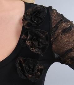 Tricou din jerse negru cu garnitura de dantela imprimata