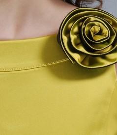 Rochie din saten elastic gros cu floare