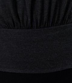 Tricou din jerse elastic uni cu maneci raglan