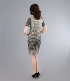 Rochie cu decolteu patrat din bumbac elastic alb-negru