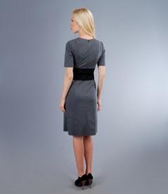 Rochie din jerse elastic gros cu garnitura de dantela