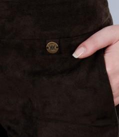Pantaloni cu buzunare din catifea maro