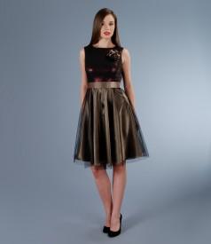 Rochie cu corsaj din brocart cu fir de efect