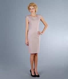 Rochie din jerse elastic roz prafuit