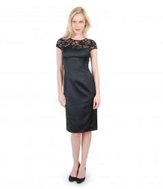 Rochie din saten elastic cu garnitura de dantela