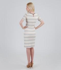 Rochie din dantela elastica cu ramia si fir de efect