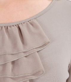 Tricou din jerse elastic cu jabou de voal