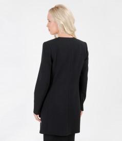 Jacheta neagra cu buzunare si tinte metalice