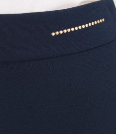 Fusta din stofa elastica cu cordon si tinte metalice aurii