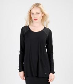 Bluza din jerse elastic cu insertie de voal
