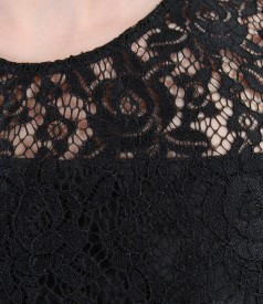 Rochie din dantela cu aripioare