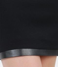 Fusta scurta din stofa elastica plina cu garnitura