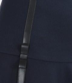 Fusta evazata din stofa elastica cu garnitura