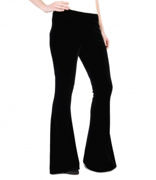 Pantaloni evazati din catifea elastica
