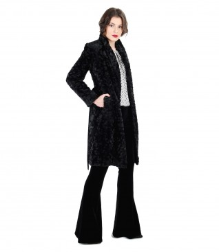 Palton din blana ecologica cu pantaloni evazati de catifea