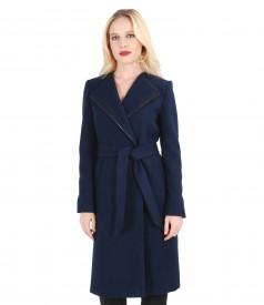 Palton cu garnitura de piele si cordon