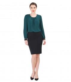 Tinuta eleganta cu bluza din voal cu falduri si garnitura