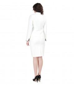 Costum elegant dama cu sacou crem