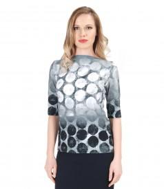 Tricou din jerse elastic cu imprimeu buline