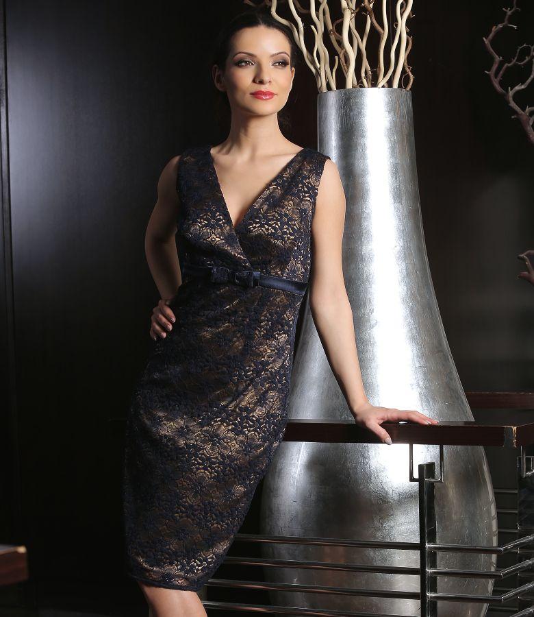 Rochie din dantela elastica cu funda