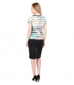 Tinuta de zi cu tricou din jerse elastic cu imprimeu floral si fusta