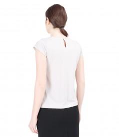 Bluza din jerse uni cu pliuri si aplicatie