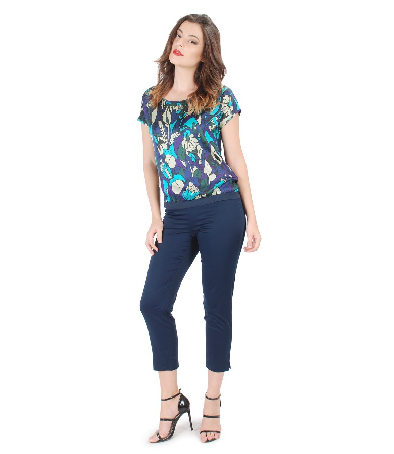 Bluza cu fata din vascoza imprimata si pantaloni pana