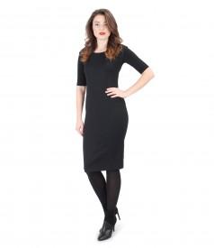 Rochie neagra cu picouri si bluza din jerse elastic
