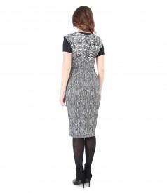 Rochie din brocart cu fir metalic auriu si bluza neagra din jerse elastic