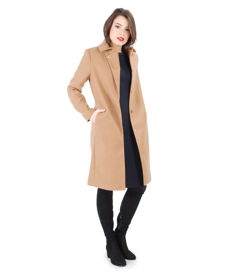 Jacheta cu rever si buzunare si rochie din stofa elastica