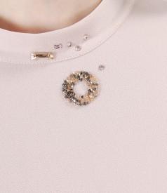 Bluza eleganta cu aplicatie de cristale