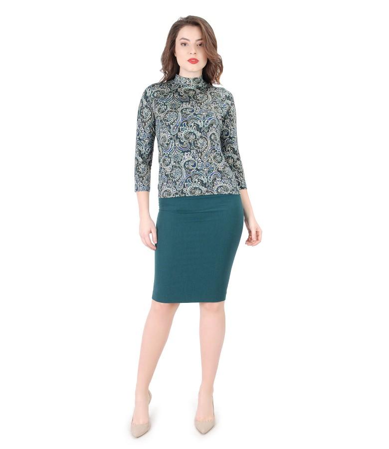 Tinuta eleganta cu bluza din jerse imprimat si fusta conica