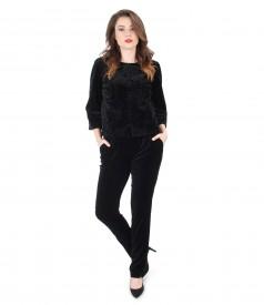 Tinuta eleganta cu sacou si pantaloni din catifea neagra
