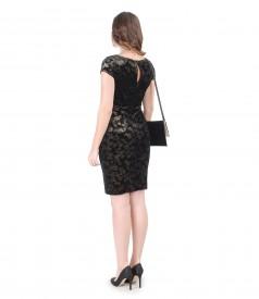Rochie de seara din catifea aurie si plic din catifea elastica