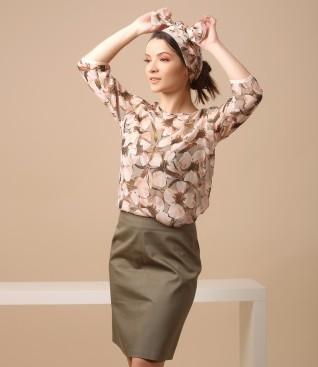 Bluza din vascoza imprimata cu flori si fusta din bumbac texturat