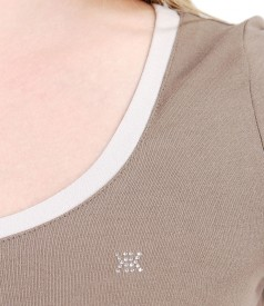 Tricou din jerse elastic cu garnitura