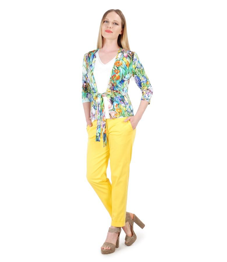 Pantaloni din bumbac texturat si bluza din jerse legata cu cordon