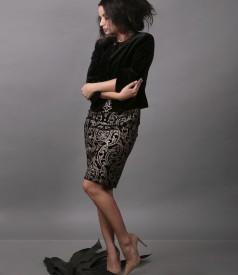 Tinuta de ocazie cu rochie din catifea imprimata si bolero